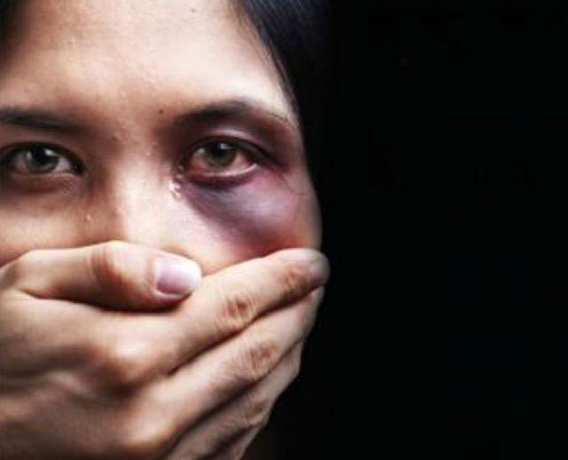 """Femminicidio: Pezzopane (Pd), """"serve reazione degli uomini, dicano basta"""" Donna uccisa a Torino di Sangro (Ch)"""